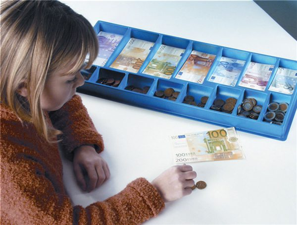 Europaket i box Mynt & Sedlar