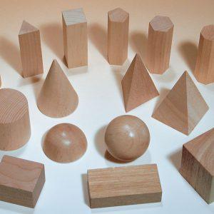 Geometriska figurer i trä