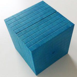 Tusenkub blå i Re-Wood