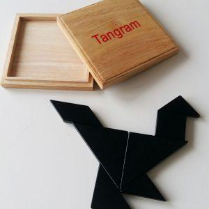Tangram i trä